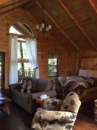 Coblentz Country Cabins: The beautiful treehouse