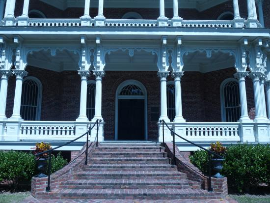 Natchez, MS: Longwood Front Entrance
