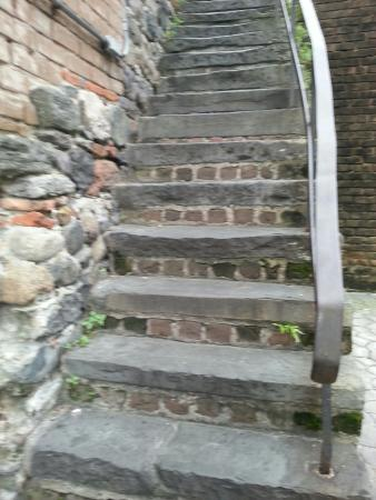 Factors Walk : Historic Steps-- watch you step!