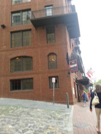 Factors Walk: Bohemian Hotel, Savannah Riverfront, Georgia