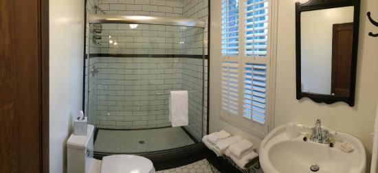 Jamestown, CA: Spotless bathroom