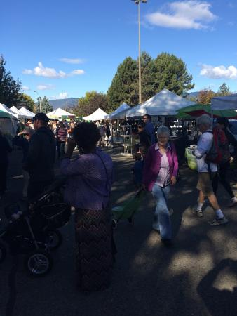 Kelowna Farmers' and Crafters' Market: photo1.jpg