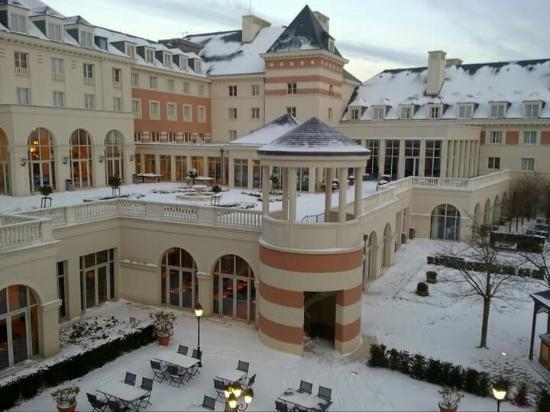Dream Castle Hotel At Disneyland Paris Picture Of Vienna House