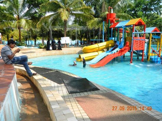 Aqua Pool Picture Of Innovative Film City Bengaluru Tripadvisor