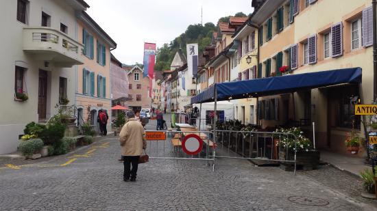 Hotel - Restaurant La Couronne: Rue de l'hôtel