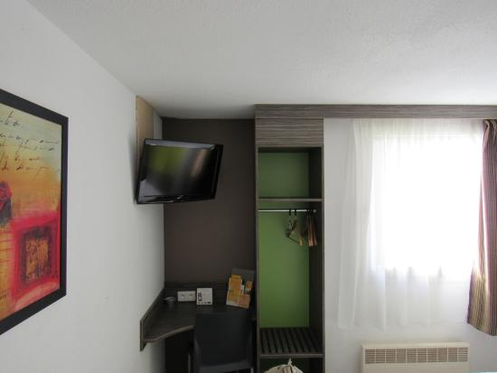Ptit Dej-hotel Chartres : Angolo armadio