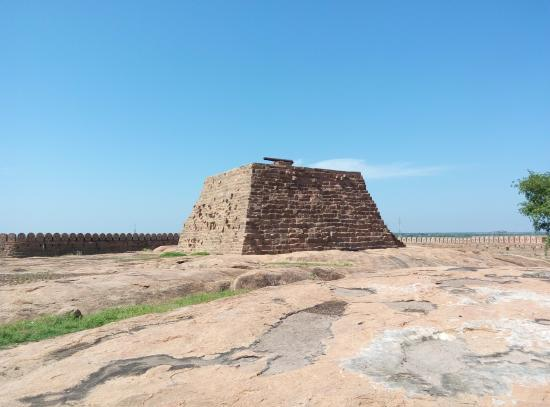 Thirumayam Fort: The Central Tower