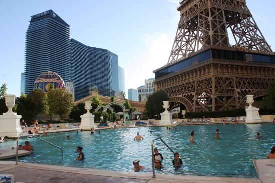 Piscine lagon photo de paris las vegas las vegas for Piscine hotel paris