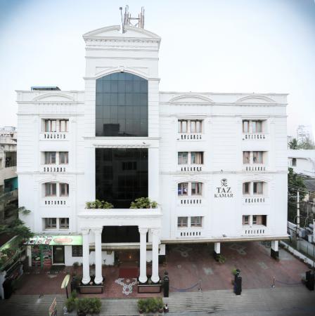 Taz Kamar Inn: Hotel Facade