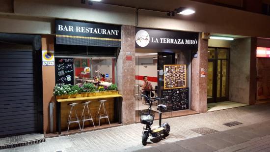 вход в ресторанчик Picture Of La Terraza Miro Barcelona