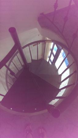 Roula Villa: Крутая лестница