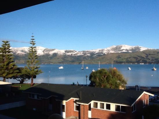 Akaroa Criterion Motel: What a view to wake up to!!!!