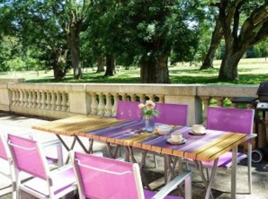 Aiguillon, Francia: Terrasse