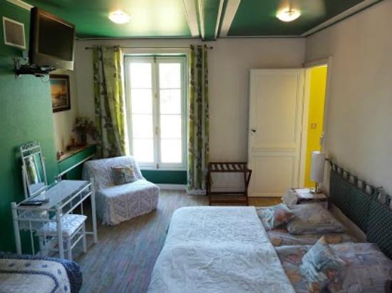 Aiguillon, Francia: Chambre familiale turquoise