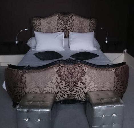 Le Belvedere des Remparts : Bed