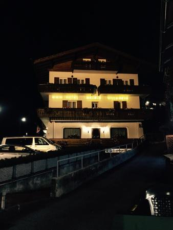 Natale 2015 foto di hotel meubl villa neve cortina d for Hotel meuble villa neve