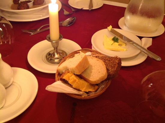Dunderry Lodge Restaurant: Bread