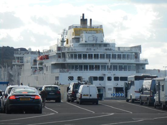 the 39 cote d 39 albatre 39 loading up at dieppe picture of dfds seaways ferry crossings newhaven. Black Bedroom Furniture Sets. Home Design Ideas
