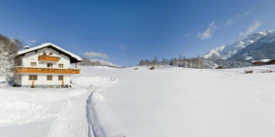 Haus Wiesenruh set in the open