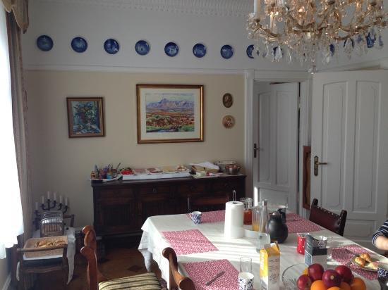 Guesthouse Anna: Ретро отель
