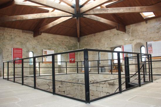 Soutomaior - ''Castelo de Soutomaior'' - Interior de la Torre (21-08-2015)