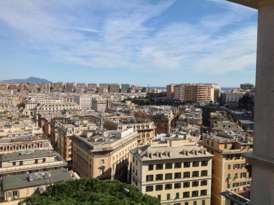 Vista dal terrazzo: fotografía de Hotel Bruxelles Margherita, Génova ...