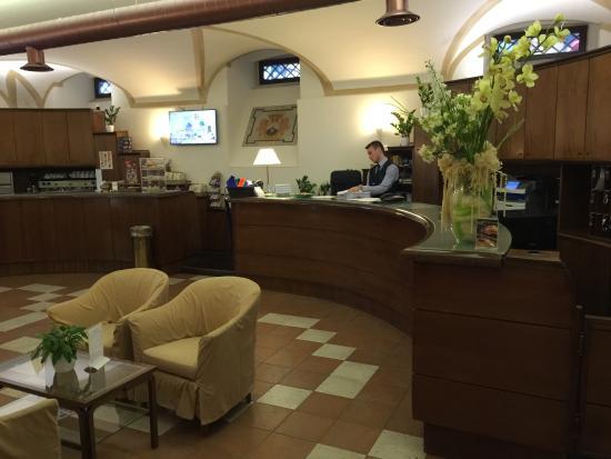 Domus Carmelitana: The Lobby