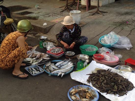 Xom Moi Market