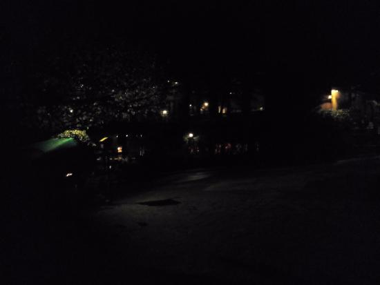 Shangrila Resort Hotel Murree Hills: At Night