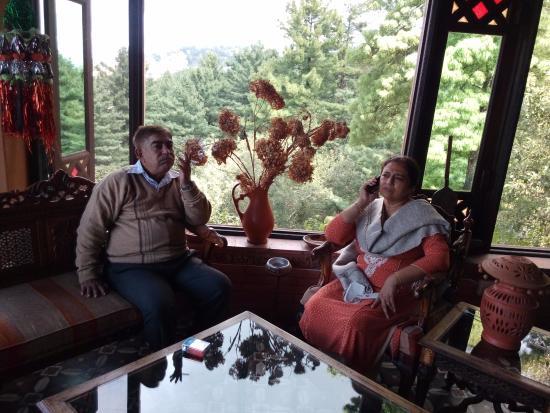 Shangrila Resort Hotel Murree Hills: Huqa-Pani Room