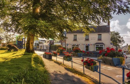 Ellingham Self-Catering Cottages: St Martin's Village
