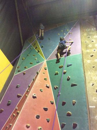 Sabah Indoor Climbing Centre : climbing center