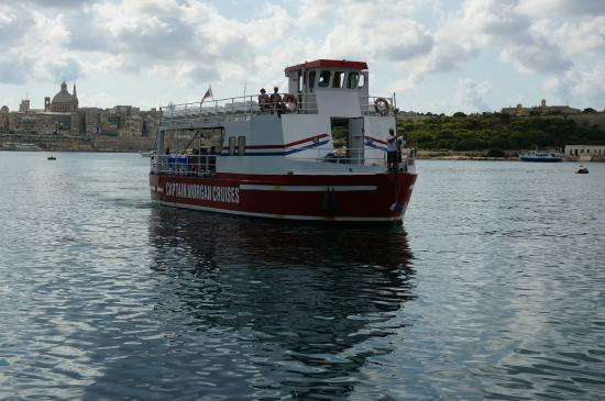 ‪Valletta Ferry Services‬