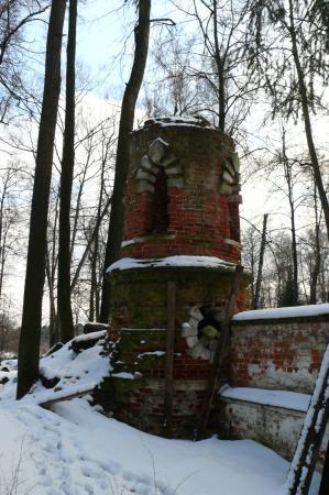 Grebnevo, Rússia: Башня ограды усадьбы