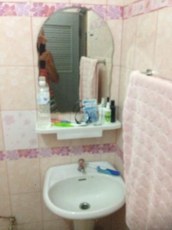 Ao Pudsa Bungalows: Threadbare towel changed Weekly?