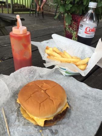 Shelby Forest General Store: Great Post-Hike Lunch