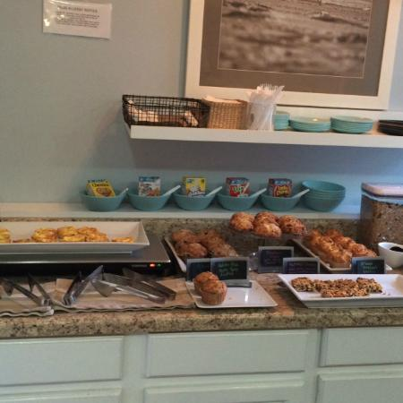 Vineyard Square Hotel & Suites: Fabulous Breakfasts