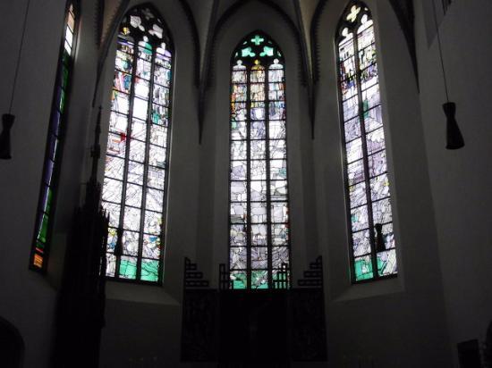 Die Meistermann Fenster im Chor von St. Clemens, Mayen