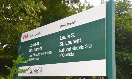 Compton, Kanada: Louis St. Laurent N.H.S.