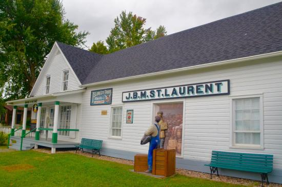 Compton, Kanada: St. Laurent General Store