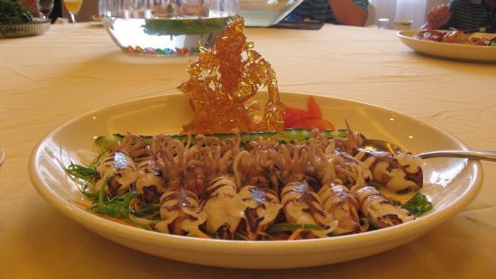 ZhenZhen Ji Restaurant: Осьминоги