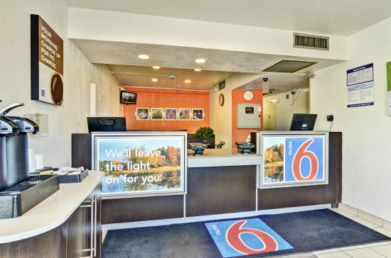 Motel 6 Pittsburgh Crafton