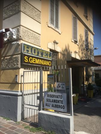 Hotel San Geminiano: ENTRADA DO HOTEL