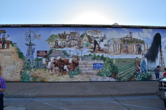 ‪Historical Murals of San Angelo‬