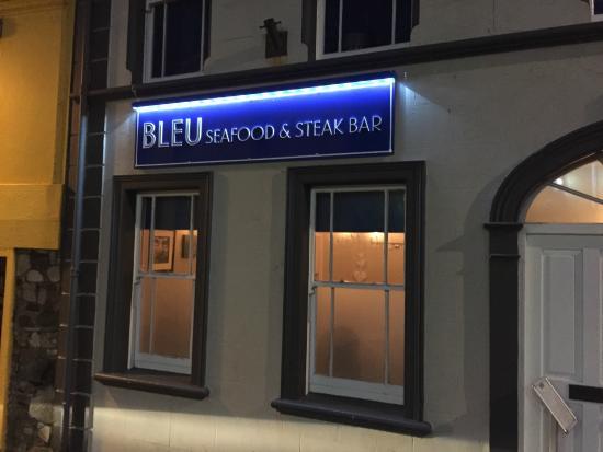 Bleu: Sign