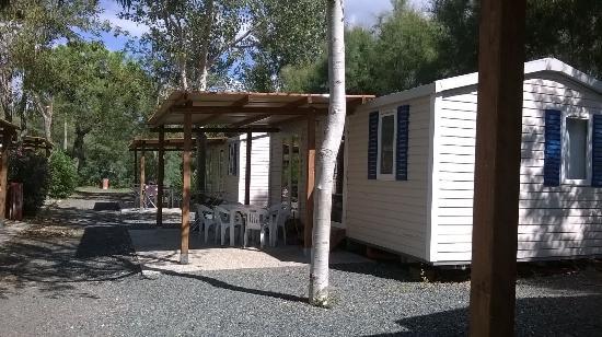 Casa mobile con veranda picture of camping baia del for Casa ranch con veranda