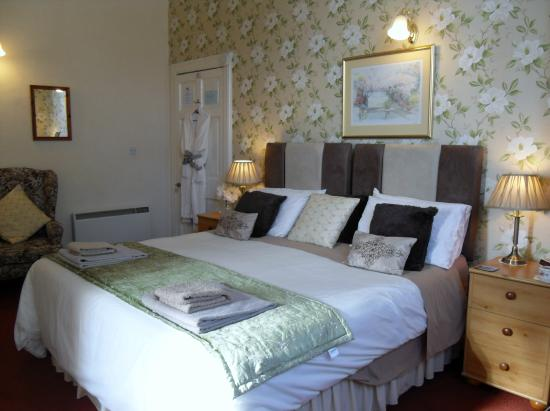 Glenotter Bed and Breakfast: Deluxe Bedroom with en suite shower