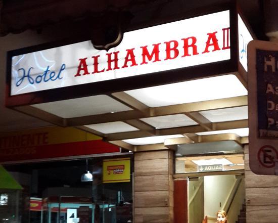 Hotel Alhambra: Entrada