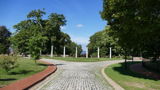 Centerport, นิวยอร์ก: Vanderbilt Mansion - columns