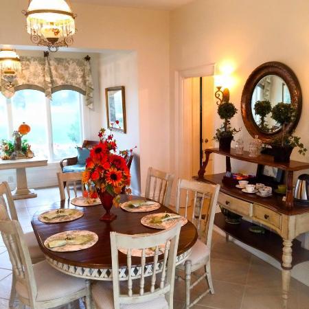 Warsaw, Kentucky: The diningroom